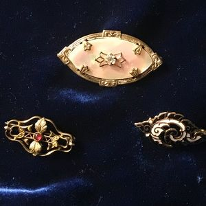 Jewelry - Lot of Vintage Pins / Brooches